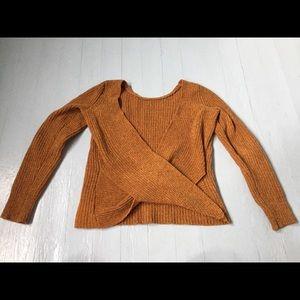 💘💘 American Eagle small cross-back sweater